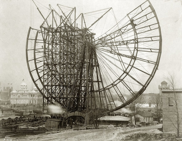 8325465-1161px-Construction_of_the_Ferris_Wheel_at_the_1904_Worlds_Fair_19_April_1904-1565788075-728-38edd6b786-1566385083